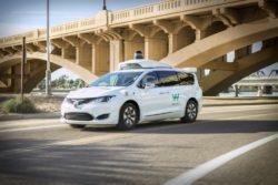 google waymo selvkørende bil tjeneste taxi / Newz.dk