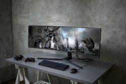 Samsung CRG9 gamer skærm super wide pladsbesbarende / Newz.dk