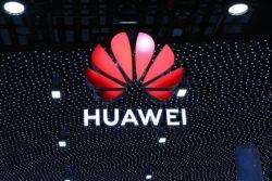 huawei storbritannien 5g netværk udelukket centrale dele infrastruktur usa spionage kina / Newz.dk