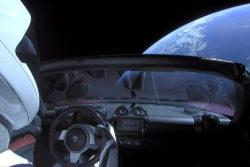 spacex tesla roadster mars rundt om solen jorden rummet / Newz.dk